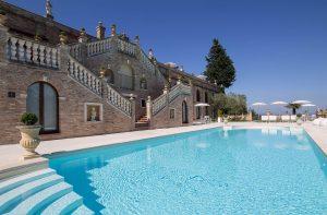 Piscina di Villa Cattani Stuart