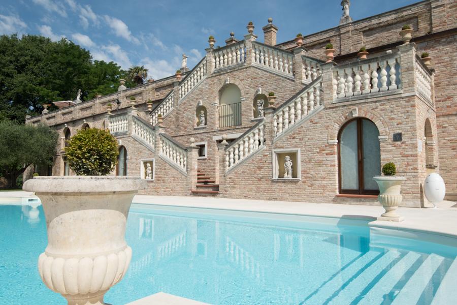 Hotel con piscina pesaro villa cattani stuart - Villa con piscina ...
