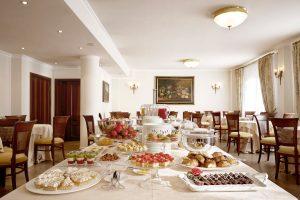la cura nel dettaglio della colazione all hotel villa cattani stuart a pesaro