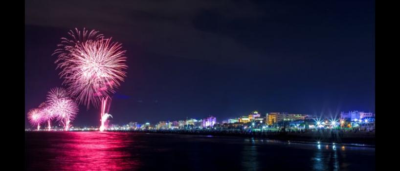 il 1 luglio 2016 la notte rosa si tiene anche a pesaro! Le città della riviera adriatica e romangola si tingono di rosa per la notte estiva più attesa
