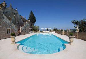 piscina di villa cattani stuart aperta a pasqua
