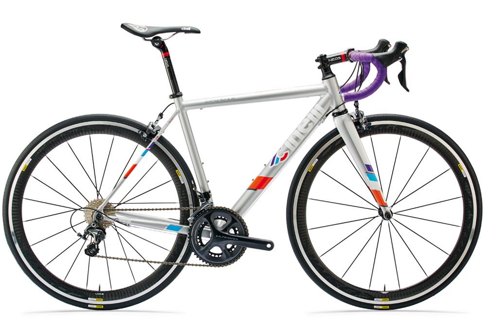 Bicicletta Cinelli Experience con telaio in alluminio