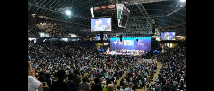Momenti di gioia durante la Convocazione Nazionale del Rinnovamento nello Spirito
