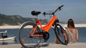 Bicicletta sul molo di Pesaro